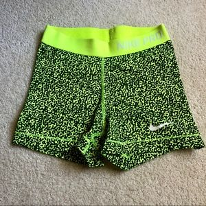 Nike Pro Combat printed shorts Volt Small